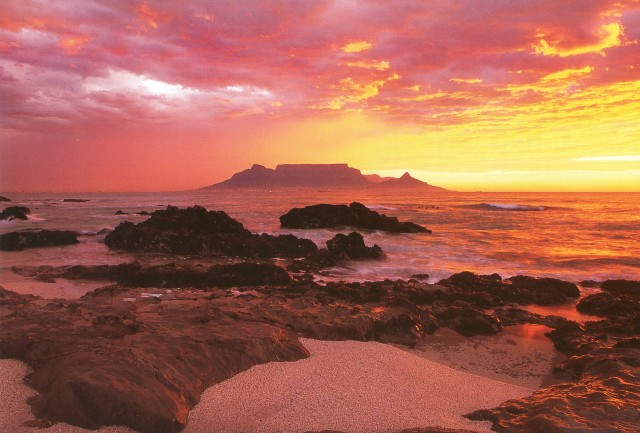 Solnedgang 3 Sør-Afrika Tatt fra Robben Island - Table Mountain i bakgrunnen