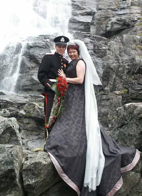 Brudepar i Trollstigen