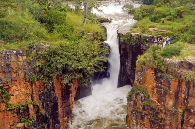 Vannfall i Lesotho 2.jpg