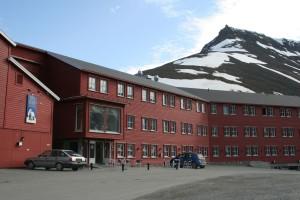 IMG 2267 Den første natten bor vi på Spitsbergen Hotell, det som på folkemunne kalles